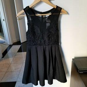 LF Dream State Dress Sz Small